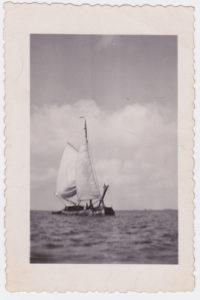 Zeilend vrachtschip begin 20e eeuw